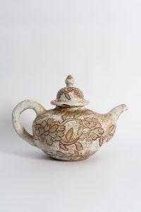 <i>untitled</i>, 1994 </br> glazed ceramic, 23,5 x 30,4 x 22,8 cm / 9.2 x 12 x 9 in