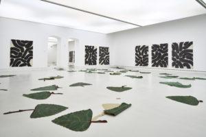 <i>liberty and tree</i>, 2019 </br> installation view, kunsthalle mainz, mainz