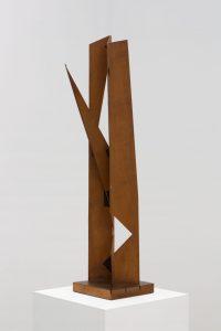 <i>scultura da viaggio (travel sculpture)</i>, 1958 </br> wood and adhesive tape, 91 x 22 x 22 cm / 25.8 x 8.7 x 8.7 in