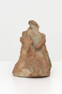 mother and child, 2019 stoneware, 25 x 17,5 x 17,5 cm / 9.8 x 6.9 x 6.9 in