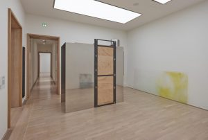 <i>mentally yellow (high noon)</i>,  2017 </br> installation view, stadtische galerie im lenbachhaus, munchen