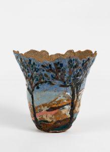 <i>untitled</i>, 2014 </br> glazed ceramic, 15,2 x 13,9 x 15,2 cm / 7 x 5.5 x 6 in