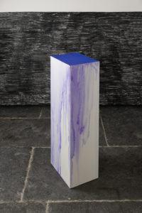 <i>a chaque stencil une revolution, une après l'autre</i>, 2009</br>carbon paper, alcohol, mdr pedestal</br>86 x 21 x 29 cm / 218.4 x 53.3 x 73.7 in