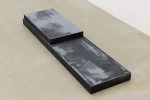 <i>untitled,</i> 2013 </br>  steel, paint, 14,5 x 146 x 8 cm / 5.7 x 57.4 x 3.1 in