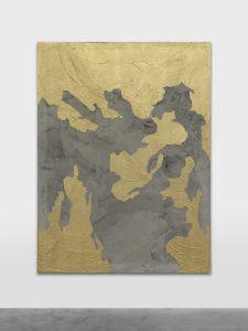 <i>wind wall icon</I>, 2020 </br> metallic pigment, red, black paint, concrete, fiber and vinyl on canvas </br> 200 x 300 x 2,5 cm / 78.7 x 118.1 x 1 in