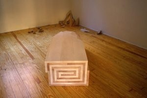 <i>tempo drogato</i>, 2003</br>lime, beech wood</br>40 x 50 x 140 cm / 15.7 x 19.7 x 55.1 in
