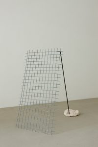 <i>untitled</i>, 2010</br> painted steel and ceramic</br>95 x 100 x 57 cm