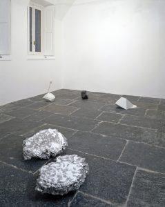 <i>spreco di energia assoluta</i>, 2007</br>installation view, kaufmann repetto, milan