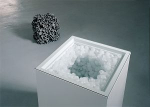 <i>gianni caravaggio</i>, 2005</br>installation view, kaufmann repetto, milan