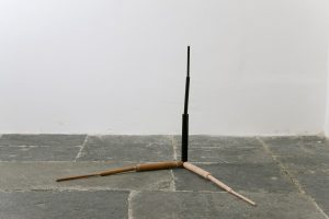 <i>l'iniziatore (the initiator)</i>, 2008</br>belgian black marble, Portuguese pink marble, red marble, red lentil, black soy</br>100 x 100 x 100 cm / 39.4 x 39.4 x 39.4 in