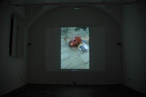 maggie cardelús, mervyn, an expanding portratit, 2007 digital frame, snapshots, base