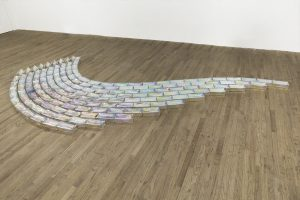 Pae White, <I>flimflam</I>, 2020 </br> 155 mirrored glass bricks, adaptable dimensions </br> installation above: 6,7 x 500 x 250 cm / 2.6 x 196.6 x 98.4 in