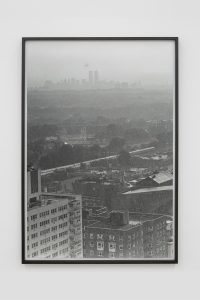 <I>Queens</I>, 1995/2020 </br> silver gelatin print, 127 x 86,4 x 4 cm / 50 x 34 x 1.6 in